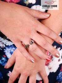 Moderní prsten s kamínky - Punk style Skull